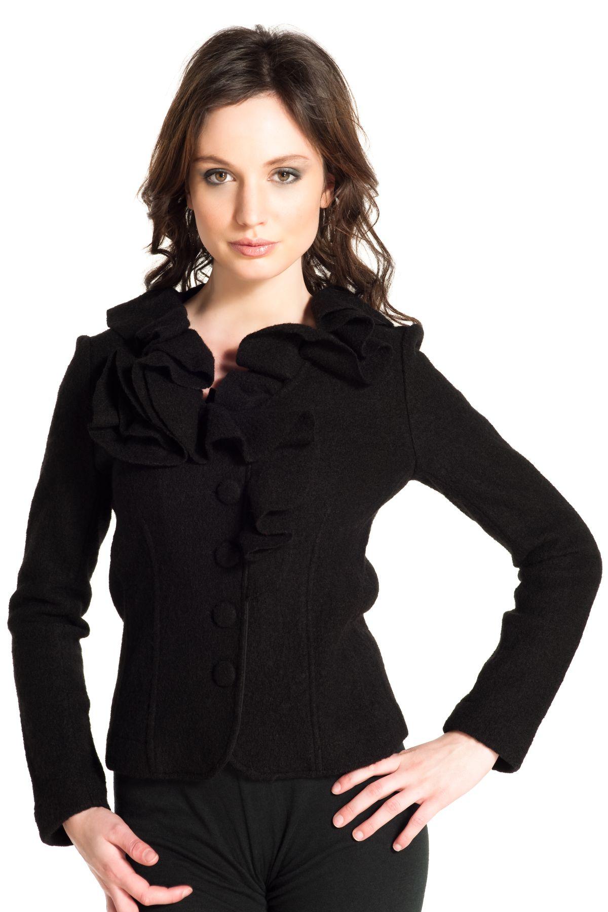Petite veste noire cintree